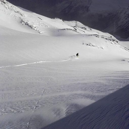 Descente à ski jusqu'à la route, Pic du Midi de Bigorre
