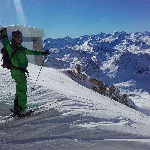 Au sommet du Pic du Midi pour une descente de rêve à ski