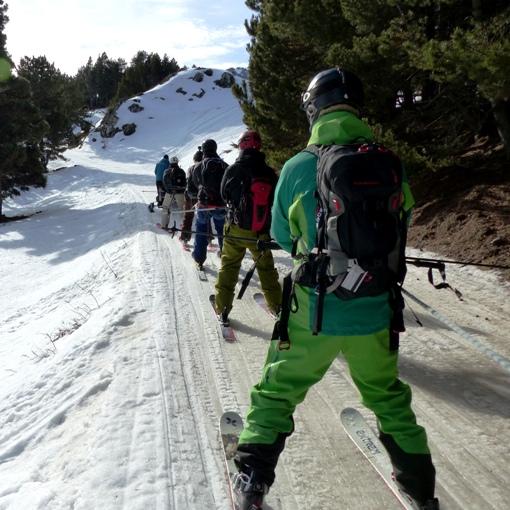 initiation ski de pente raide dans les Pyrénées