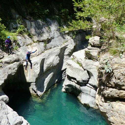 saut en canyoning hautes pyrénées