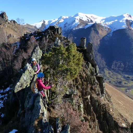 via ferrata avec des enfants dans les hautes Pyrénées